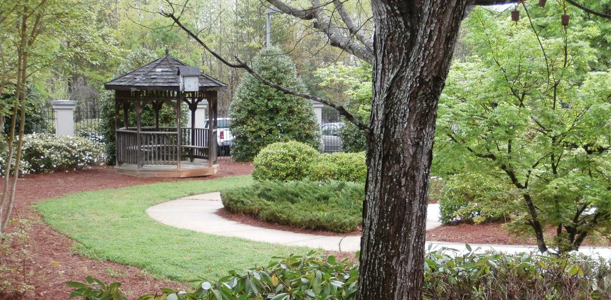 Twelve Oaks DePaul Senior Living Community Courtyard