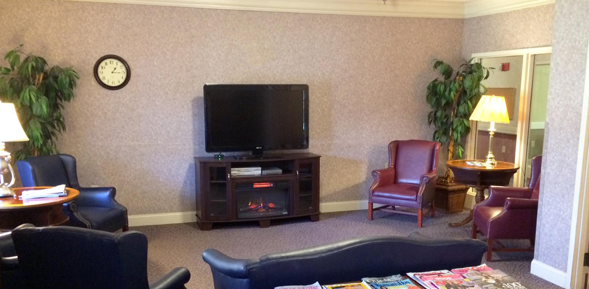 Cambridge House DePaul Senior Living Lounge