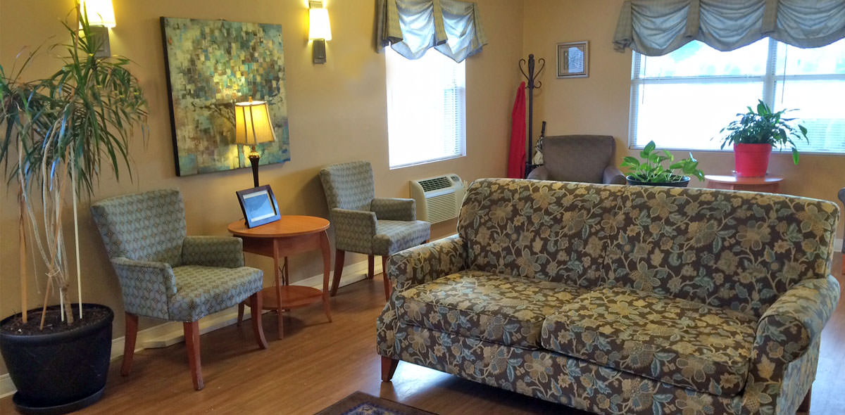 Greenbrier DePaul Senior Living Lounge