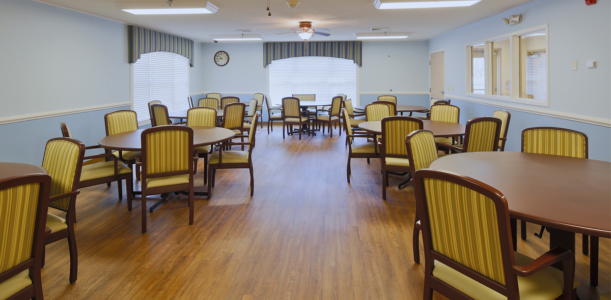 Twelve Oaks DePaul Senior Living Community Dining Room
