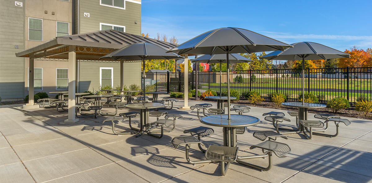 Ebenzer Square Apartments Outdoor Patio